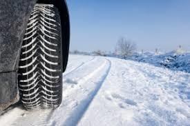 Ikke kun sne, men også is er bilisternes fjende om morgenen vinterdæk er det sikreste valg